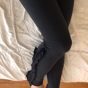 *Rare* Black Lululemon Wunder Under Leggings